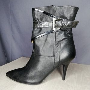 Nine West black leather heeled boots with buckle